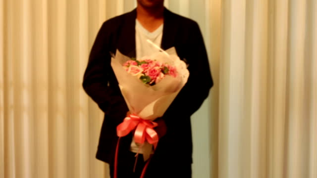 Man with rose bouquet folwer video
