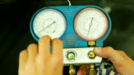 Manometer-pressure gauge video