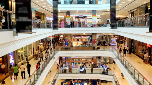 Many poeple in shopping mall video