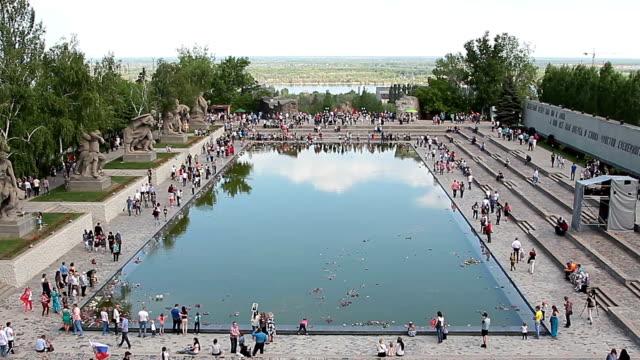 Mass visits visitors of the memorial complex Mamaev Kurgan video