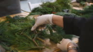 Master-class on making Christmas wreaths and Christmas video