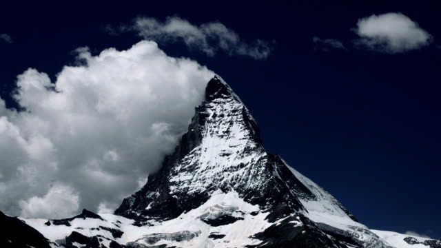 Matterhorn in Timelapse video