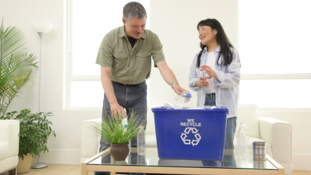 Mature Asian couple fills recycle bin together video