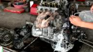 Mechanic repair valve engine video