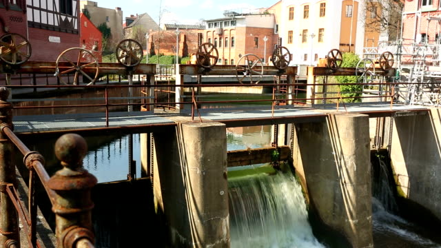 Mechanical weir in Cottbus (Germany) video
