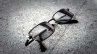 Men's glasses with a thin rim video