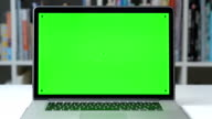 DOLLY: Message display on green screen chroma key video