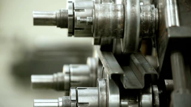 Metal bending - closeup video