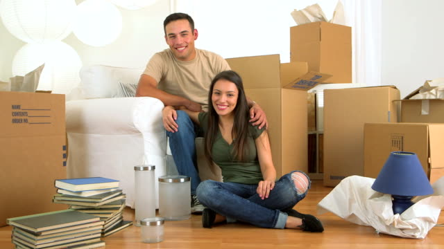 Mexican couple moving in video