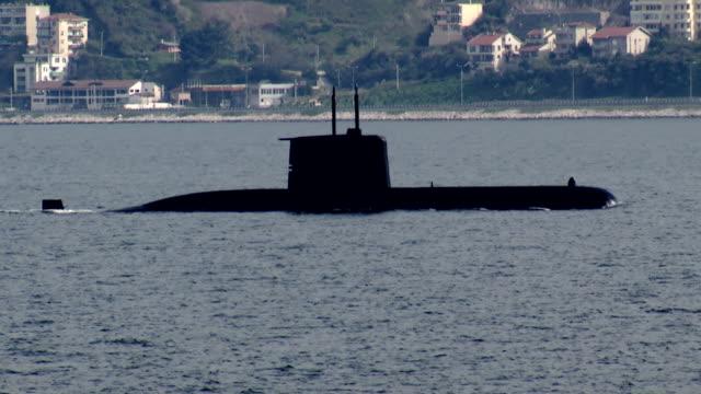 Military submarine into Bosporus waters video
