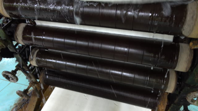 Milk latex process to raw rubber sheets video