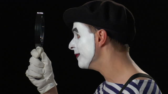 Mime Magnifying Glass - Good News video