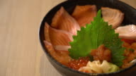 mixed salmon dongburi set video