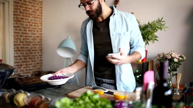 Mixing salad video