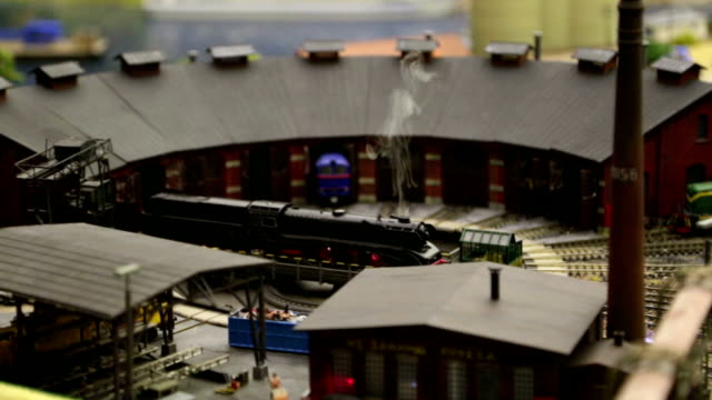 Model of a steam locomotive with smoke video