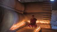 Monk - liegender_Buddha3 video