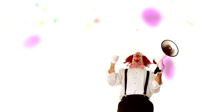 Montage Clown Megaphone video