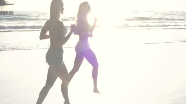 Montage-Running Beach Blond Twin Pier Sunset California Santa Monica SantaMonicaVideo video