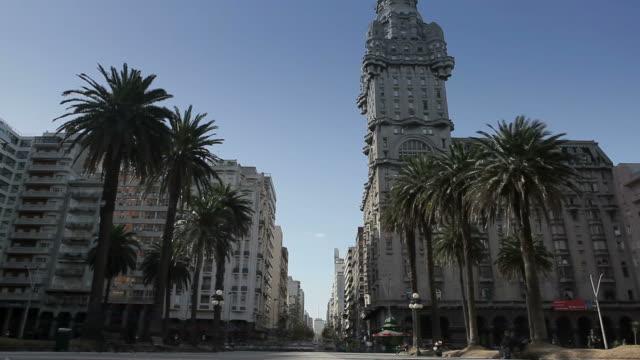 Montevideo Praça Independencia video