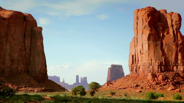 Monumental Window video