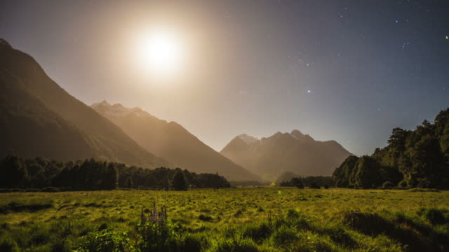 TIME LAPSE: Moonset in the Mountains video