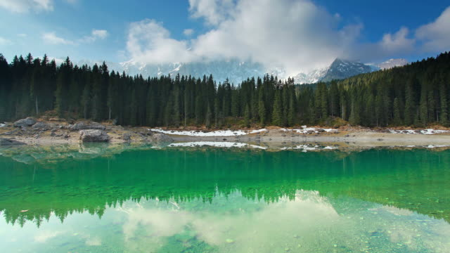 morning at the mountain lake time-lapse video