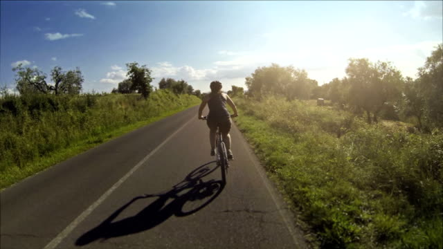 Mountain bicycle video: on a road in Tuscany video