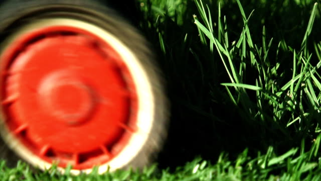 Mowing the Lawns - Close (HD) video