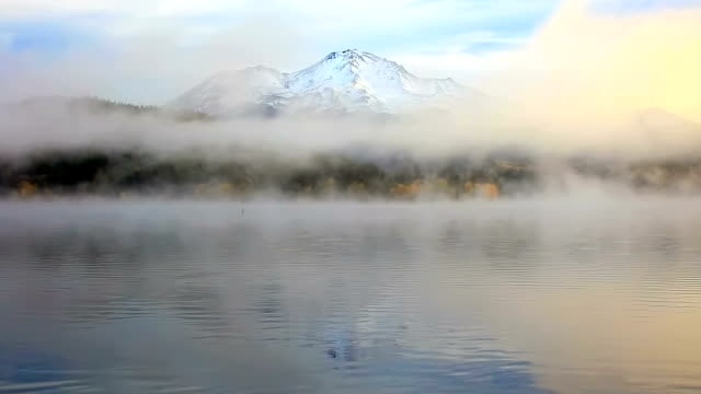 Mt Shasta slow zoom out video