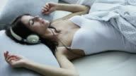 Music girl bed          MU LI video