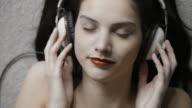 Music girl        MU video