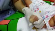 Newborn Intravenous injection video