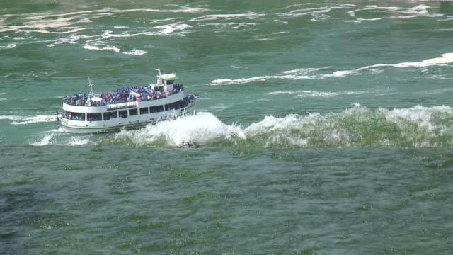 Niagara boat 2 - HD 1080/60i video
