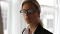 Office, business woman        BS PR DE video