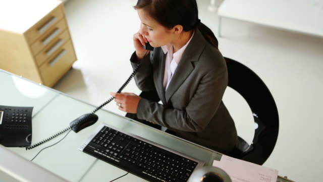 Office worker          DE BS video