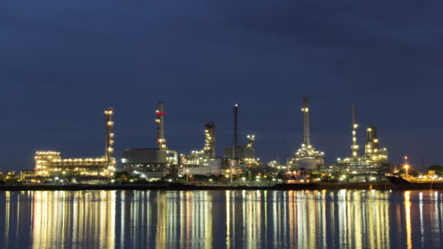 Oil refinery, 4K Day to Night Time Lapse video