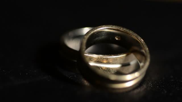 Old wedding rings video