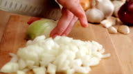 onion finely chopped using ceramic kitchen knife video