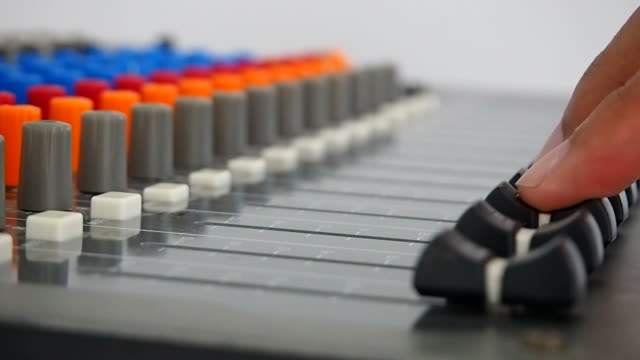 Operator's work for mixing desk video
