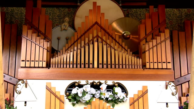 Organ fairground music box video