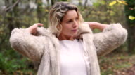 Outdoor fur coat       LI  GL video
