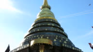Pagoda in Lampang Laung Temple, Thailland video