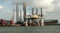 pan oil platform video