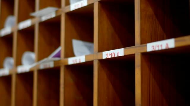 paning near locker side video