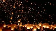 HD Panning: flying Lantern Yeepeng Loi Kra Tong festival in thailand video