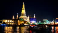 panning: transportation on river at Wat Arun video