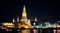 panning: Wat Arun in at night, Bangkok, Thailand video