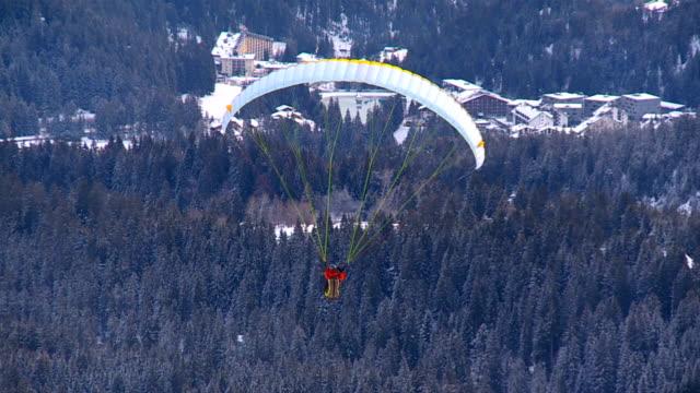 Paragliding video