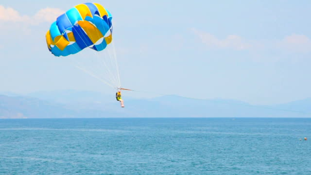 parasailing over the sea video