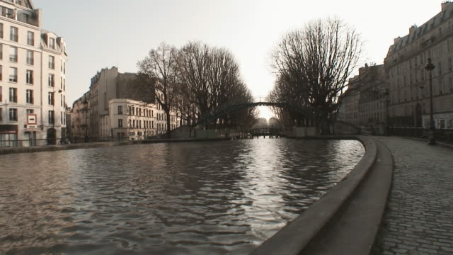 Paris St Martin Canal video